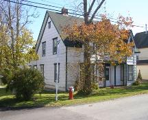 Northwest perspective view of the Jonathan Locke House in the Town of Lockeport, N.S.; Heritage Division, NS Dept. of Tourism, Culture & Heritage, 2009