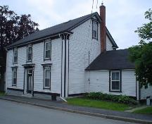 St. John's Rectory, Old Town Lunenburg, north façade, 2004; Heritage Division, Nova Scotia Department of Tourism, Culture and Heritage, 2004