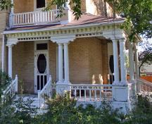 Detail view of the Dolmage House, Souris, 2006; Historic Resources Branch, Manitoba Culture, Heritage and Tourism, 2006