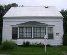 This photograph shows the front façade of the building, 2009; Town of St. Andrews