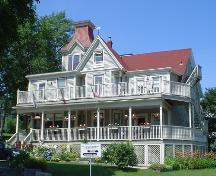 Lunenburg Inn, New Town, Lunenburg, front façade, 2004; Heritage Division, NS Dept. of Tourism, Culture and Heritage, 2004