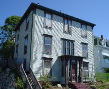 207 Montague Street, Lunenburg, front façade, 2004; Heritage Division, NS Dept. of Tourism, Culture and Heritage, 2004