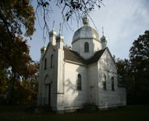 Contextual view, from the southwest, of Sts. Peter and Paul Ukrainian Orthodox Church, Tyndall, 2009; Historic Resources Branch, Manitoba Culture, Heritage and Tourism, 2009