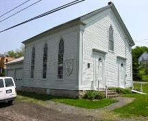 Side elevation, including garage addition, Smith's Cove Baptist Meeting House and Temperance Hall, Smtih's Cove, 2005; Heritage Division, NS Dept. of Tourism, Culture and Heritage, 2005