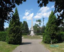 General view of the third roundabout and its obelisk, 2005.; Catherine Cournoyer, Parks Canada Agency / Agence Parcs Canada, 2005.