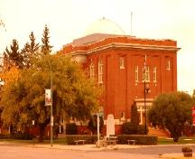 Exterior view of Melville City Hall, 2004; Government of Saskatchewan, C. Fehr, 2004.