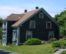 Mayner House, Old Town Lunenburg, east façade, 2004; Heritage Division, NS Department of Tourism, Culture and Heritage, 2004