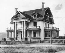 Historic view of Smith House; Greater Vernon Museum & Archives photo #707, 1910
