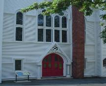 Central United Church, Old Town Lunenburg, entrance detail, 2004; Heritage Division, Nova Scotia Department of Tourism, Culture & Heritage, 2004