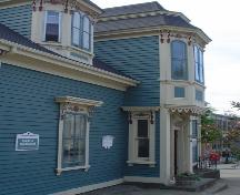Wolff House, Old Town, Lunenburg, front façade detail, 2004; Heritage Division, NS Dept. of Tourism, Culture and Heritage, 2004