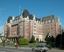 Exterior view of the Empress Hotel, 2004.; City of Victoria, Steve Barber, 2004.