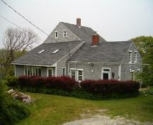Side elevation, Abraham Lent House, Tusket, 2004; Heritage Division, Nova Scotia Department of Tourism, Culture and Heritage, 2004