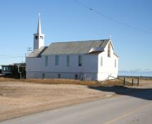 Contextual view of St. Paul's Anglican Church, Churchill, 2007; Historic Resources Branch, Manitoba Culture, Heritage and Tourism, 2007