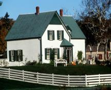 View of the exterior of Green Gables House, showing the window arrangement and the green shutters as well as the gable ends which have traditionally been green, 2000.; Parks Canada Agency / Agence Parcs Canada, J. Sylvester, 2000.