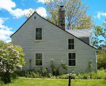 Side elevation, Shakespear House, Shelburne, 2004.; Heritage Division, NS Dept. of Tourism, Culture and Heritage, 2004.