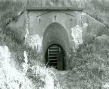 Side view of Lower Battery, showing the west entrance, 1993.; Heritage Recording Services Section, 1993. / Section des services des relevés des richesses du patrimoine, 1993.