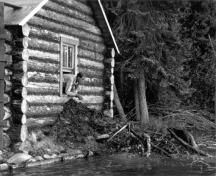 General view of the Ajawaan lake side façade, ca. 1934.; Parks Canada Agency/Agence Parcs Canada, Photo Services, ca. 1934.