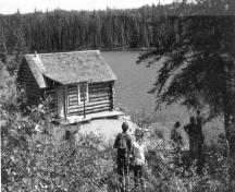 General view of the Grey Owl's Cabin, 1970s.; Parks Canada Agency/Agence Parcs Canada, Photo Services, 1970s/années 1970.