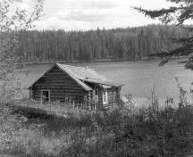 General view of the Grey Owl's Cabin, 1960.; Parks Canada Agency/Agence Parcs Canada, Photo Services, 1960.