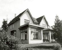 Exterior photo; (E. Mills, Canadian Parks Serice, Architectural History Branch, 1992.)