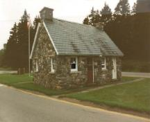 View of the Information Bureau, located at the Ingonish Entrance of Cape Breton Highlands National Park of Canada, 1988.; Agence Parcs Canada / Parks Canada Agency, 1988.