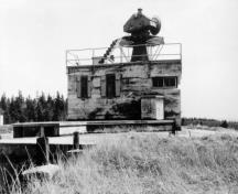 View of the Radar Building at Fort McNab; a key component of the Fort McNab detection and fire command system, ca. 1945.; Department of National Defence / Ministère de la Défense nationale, ca./vers 1945.