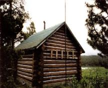 Rear view of the Fourpoint Warden Cabin, 1996.; Parks Canada Agency / Agence Parcs Canada, 1996.