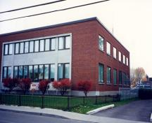 Side view of the Federal Building in Lacolle, Quebec, 1997.; Parks Canada Agency / Agence Parcs Canada, 1997.