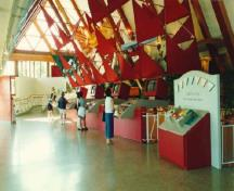 Interior view of the main gallery in the Alexander Graham Bell Museum, 1996.; Parks Canada Agency / Agence Parcs Canada, 1996.