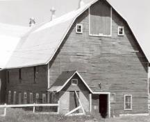 General view of the Barn, 1989.; Agence Parcs Canada / Parks Canada Agency, M. Phemister, 1989.