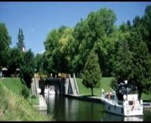 View of a lock on the Trent-Severn Waterway, 2000.; Parks Canada Agency/Agence Parcs Canada, 2000.