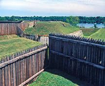 General view of the Fort George National Historic Site of Canada walls and palissades, 1985.; Parks Canada Agency / Agence Parcs Canada, B. Morin, 1985.