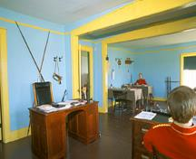 Interior view of the Officers' Quarters, 2003.; Parks Canada Agency / Agence Parcs Canada, M. Fieguth, 2003.