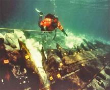 Submarine view of the wreck of the Elizabeth and Mary, 1997.; Parks Canada Agency / Agence Parcs Canada, M.-A. Bernier, 1997