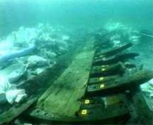 Submarine view of the wreck of the Elizabeth and Mary, 2005.; Radio-Canada, 2005.