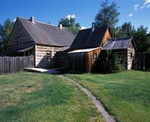 General view of Fort St. James showing the Officer's Dwelling, 2003.; Parks Canada Agency / Agence Parcs Canada, D. Houston, 2003.
