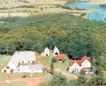 Aerial view from the west, showing Strathgarney Homestead and West River in background, ca. 1960.; Strathgartney Foundation/La fondation Strathgartney, circa 1960.