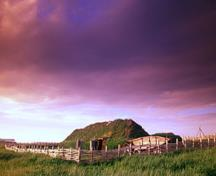 General view of a reconstructed viking hut at L'Anse aux Meadows, 2003.; Parks Canada Agency/ Agence Parcs Canada, D. Wilson, 2003.