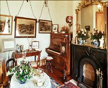 Interior view of Craigflower Manor House showing central hall interior floor plan and surviving historic interior features and fixtures.; Parks Canada Agency / Agence Parcs Canada.