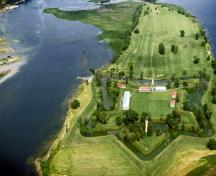 Aerial view of Fort Lennox showing its position as an island in the Richelieu River.; Parks Canada Agency / Agence Parcs Canada.