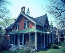 General view of Hillary House showing its Gothic Revival style detailing such as  bargeboards, label mouldings on upper-storey windows; Parks Canada Agency / Agence Parcs Canada.