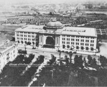 Aerial view of Union Station/Winnipeg Railway Station, showing the axial symmetry of its plan and the use of classical elements on a heroic scale, 1920.; Archives of Manitoba/Archives du Manitoba, 1920.