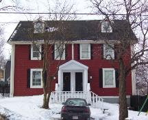 Exterior photo of duplex showing front facade of both 031 and 033 King's Bridge Road.  Taken February 2005.; HFNL 2005