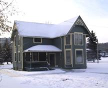 View of the John Walter 1901 wood framed Victorian-influence house looking at the east and north elevations (January 2005).; City of Edmonton, 2005
