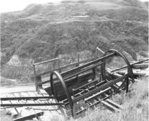 View of Atlas No. 3 Coal Mine, showing the rotary dump, 1998.; Agence Parcs Canada / Parks Canada Agency, W. Wylie, 1998.