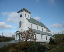 View of the main and right facades of Holy Apostles Roman Catholic Church, Renews, NL.; © HFNL/Andrea O'Brien 2011