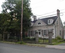 Side and front elevations, Thorndean, Halifax, Nova Scotia, 2005.; Heritage Division, NS Dept. of Tourism, Culture and Heritage, 2005.