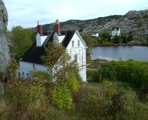 View of rear and roof of Lakeview, Brigus, NL. ; © HFNL 2007