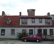Rear elevation, Thomas Boggs-Lawrence Hartshorne House, Dartmouth, Nova Scotia, 2005.; Heritage Division, NS Dept. of Tourism, Culture and Heritage, 2005.