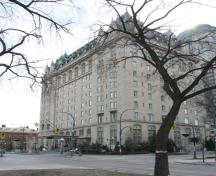 Primary elevations, from the northwest, of the Fort Garry Hotel, Winnipeg, 2006; Historic Resources Branch, Manitoba Culture, Heritage and Tourism, 2006